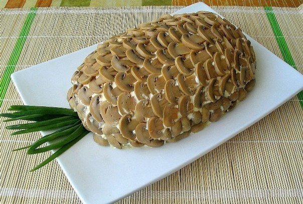 Салат с курицей и ананасами и грибами фото рецепт